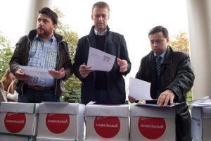 Алексей Навальный (в центре) и его сторонники во время выборов мэра Москвы, сентябрь 2013 года