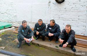 Актив — вот кто, по мнению правозащитников, командует за решеткой Фото: Алексей Гущин © URA.Ru
