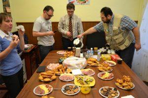 Участники мероприятия, в перерывах, могли перекусить на кофе-брейках