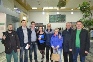 Правозащитники, журналисты купили Бабине билет на поезд и отправили его домой
