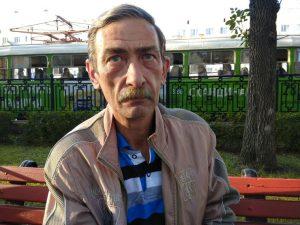 Алексей Бессонов несколько лет безрезультатно судится за свой жилищный сертификат Фото: Дмитрий Антоненков URA.RU